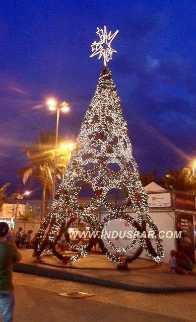 Árvore de Natal Gigante  4 / 15 Metros Modelo Guirlandas Led