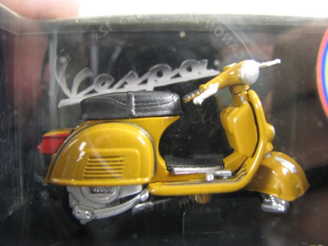 Vespa Rally 180 (1968)  - Hobby Lobby CollectorStore