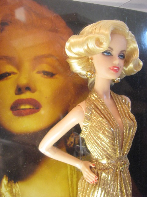 Barbie Collector - Marilyn Monroe  - Hobby Lobby CollectorStore