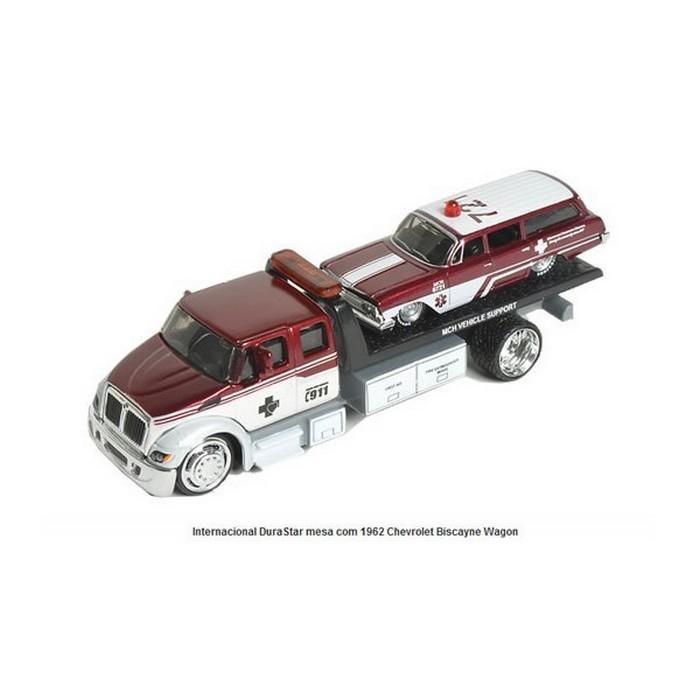 Maisto - International DuraStar Flateb / 1962 Chevrolet Biscayne Wagon  - Hobby Lobby CollectorStore