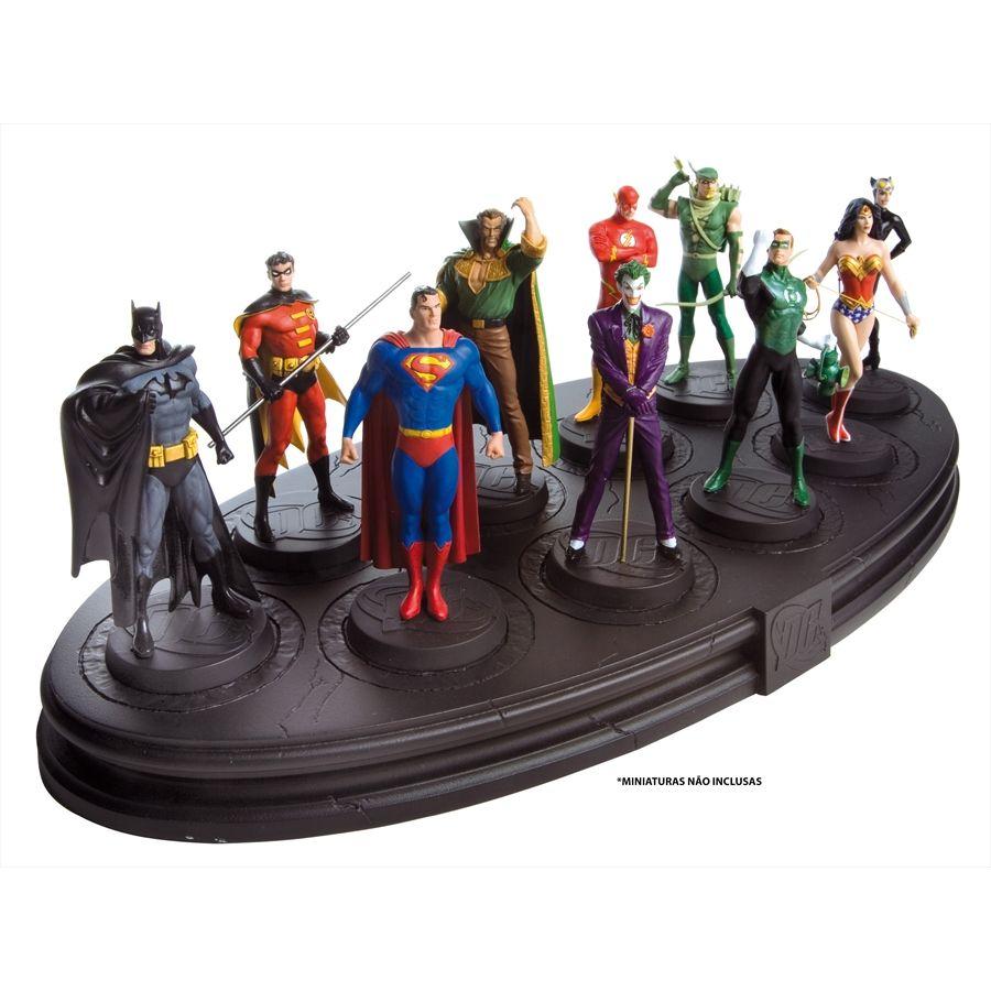 Eaglemoss - DC Comics - Plataforma   - Hobby Lobby CollectorStore