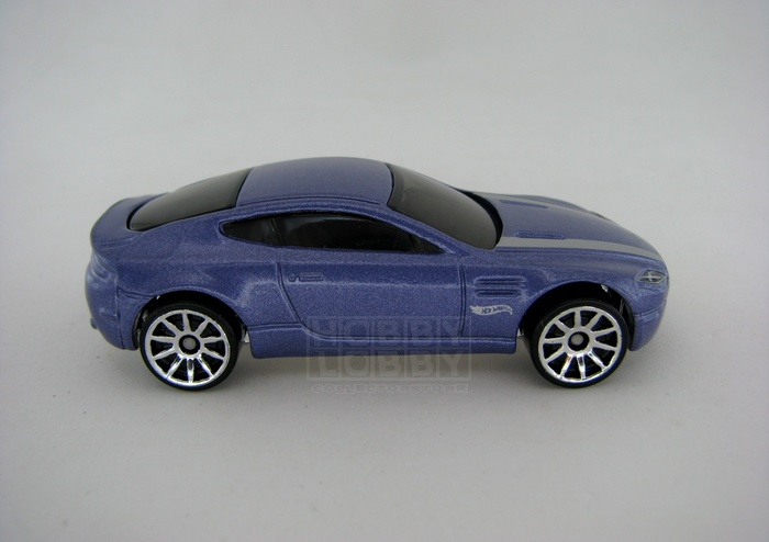 Hot Wheels - Coleção 2014 - Aston Martin V8 Vantage (loose)  - Hobby Lobby CollectorStore