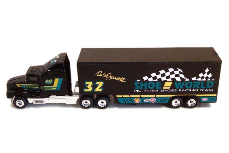 Matchbox - NASCAR Transporter Shoe World Racing Dale Jarrett  - Hobby Lobby CollectorStore