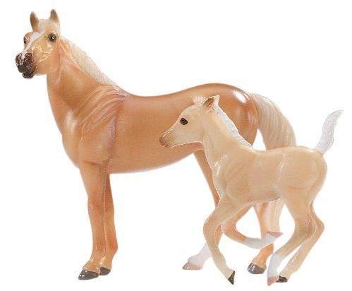 Breyer Stablemates Cavalo e Potro (American Quarter horse and Foal)