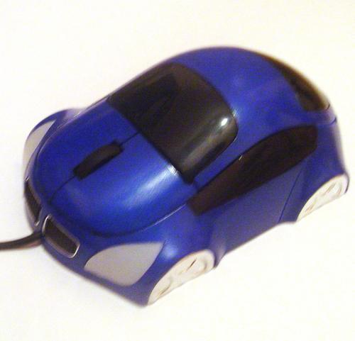 Mouse Optico em Formato de Carro com Scroll e Conexão USB - B777