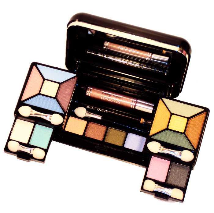 Kit de Maquiagem com Estojo com Blush, Sombras, Pó Compacto, Brilho para Lábios e Delineador para Olhos com Espelho e Pincéis - Ruby Rose - HB-2000