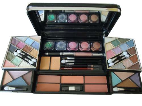 Conjunto Kit de Maquiagem com Pó Compacto, Blush, Sombra, Delineador Labial, Delineador para Olhos Máscaca, Glitter Corporal e Gloss - Ruby Rose - HB-3800