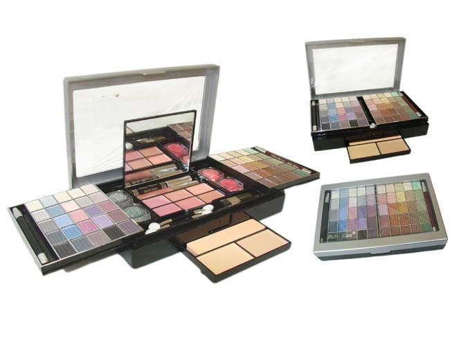 Conjunto Kit de Maquiagem com Pó Compacto, Blush, Sombra, Gloss, Lápis Delineador para Olhos e Lábio e Pincéis - Ruby Rose - HB-2531B