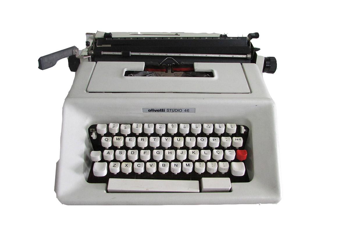 Maquina de escrever Olivetti Studio 46 Semi-nova Cores Diversas