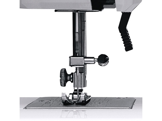 Maquina de Costura Elgin Supéria - JX 2050 220V