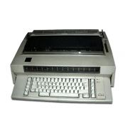 Máquina de escrever eletrônica IBM 6746 Bivolt Com Corretivo Semi- Nova