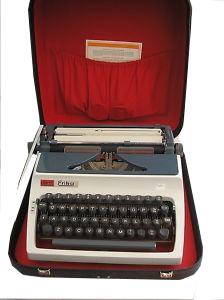 Máquina de Escrever Érika M-41 com Estojo Original, Fabricação 1960 Revisada com Garantia