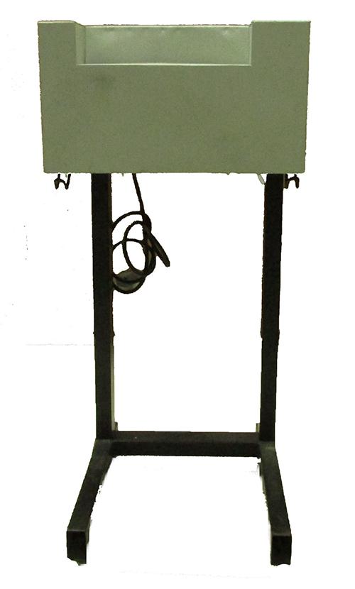 Locação Diária p/ Fragmentadora de papel Manig corta 5 folhas em tiras de 4mm c/ velocidade de 30 metros p/ minuto, lixeira p/ 60L, Uso contínuo, fenda 220mm