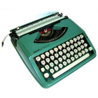 Maquina de escrever Olivetti Lettera Reformada