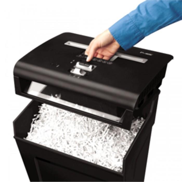 Fragmentadora de papel Fellowes P-48C (Semi-nova) corta grampos, cart�es de cr�dito, clipes de papel, at� 8 folhas, corte cruzado de 4x50mm, fenda 225mm, cesto de18lts, 127V, ru�do 75dB