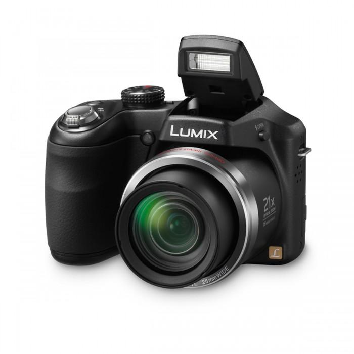Câmera Panasonic Lumix DMC-LZ20LB-K 21x Zoom Óptico, 16.1 megapixels, Lente grande angular de 25mm, Controles manuais, cartão de 4GB incluso