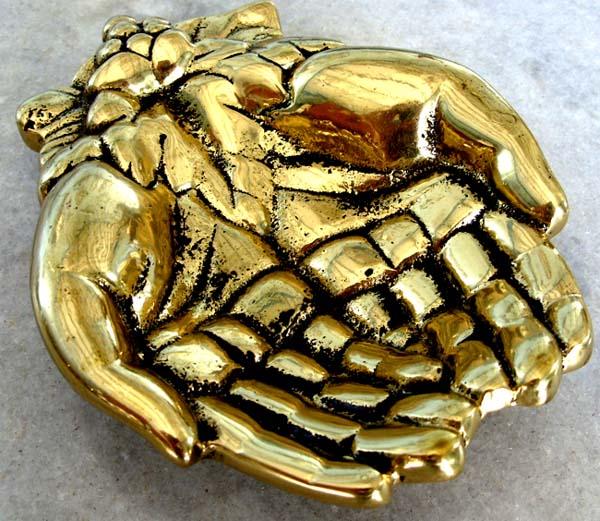 Saboneteira mãos com cacho de uva - Fino acabamento e rica em detalhes - Bronze maciço  - BronzeShop