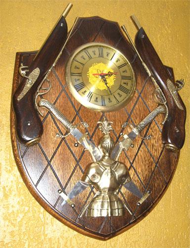 Brasão Gigante com Relógio + 2 Garruchas + 2 Espadas + Armadura  - Bronze Shop