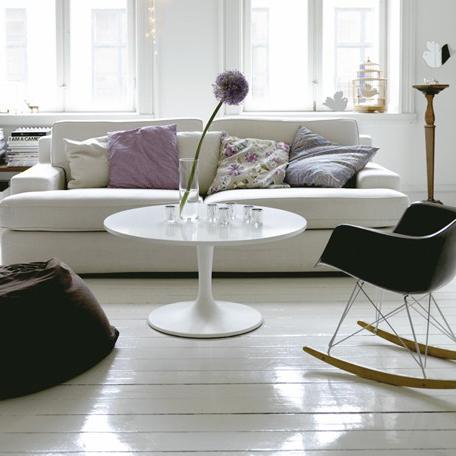 Cadeira em ABS com Balanço PM-084 Colors com Design Charles Eames