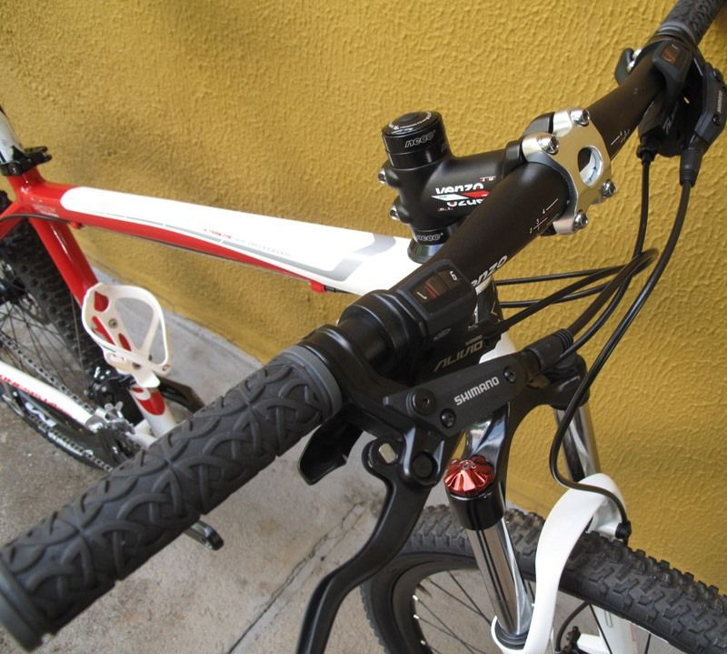 "Bicicleta Kinesis KM310 Pro Xc Ultralite Aro 26"", Média 17"" (Usada)  - IBIKES"