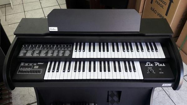 Órgão Eletrônico Rohnes Liz Plus Preto Fosco
