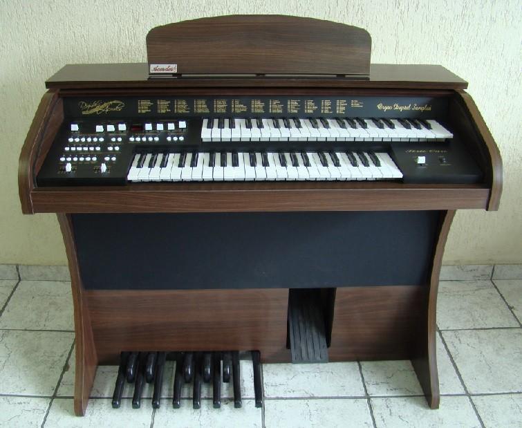 Órgão Eletrônico Acordes DSPIC 2D Tabaco