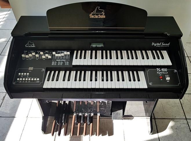Órgão Eletrônico Teclasom TS 100 Cor Preto Alto Brilho  - Teclasom Instrumentos Musicais Ltda