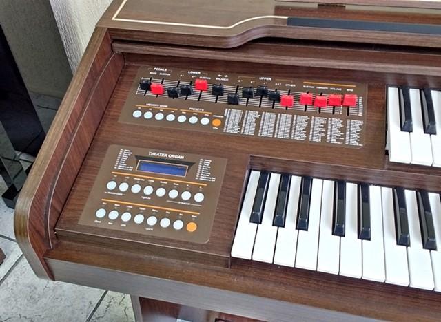 Órgão Eletrônico Harmonia HS 100 Estéreo. Lançamento!  - Teclasom Instrumentos Musicais Ltda