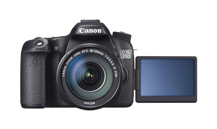 Câmera Digital Canon EOS 70D + Lente 18-135mm  - Dual Pixel, 20.2 MP, Sensor CMOS, Vídeo Full HD, DIGIC 5+, 7 FPS, Wi-Fi, Tela Rotativo 3