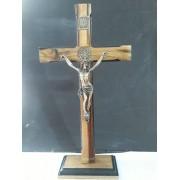 CX20 - Crucifixo Madeira Med. São Bento Contorno 35cm c/ Base