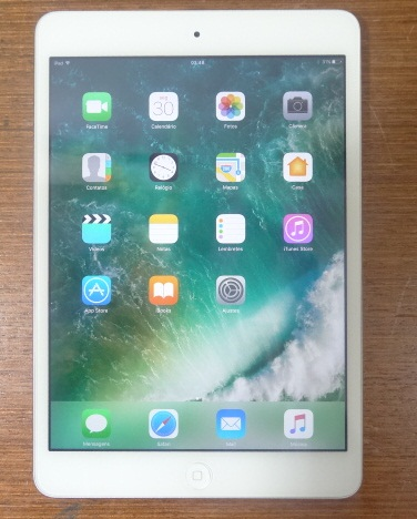 Apple iPad Mini 2 ME279LL/A  7.9