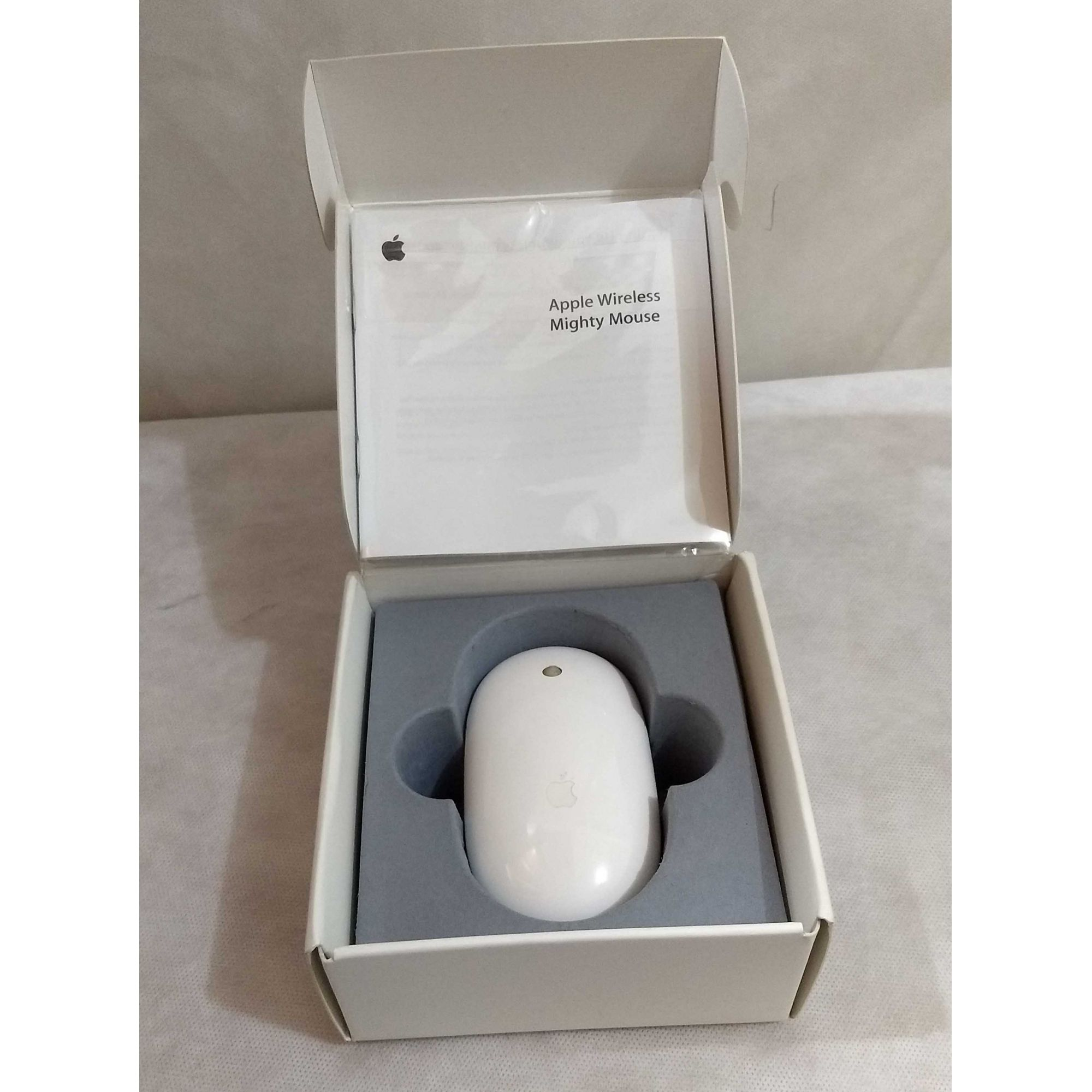Apple  Mighty Mouse Wireless/Bluetooth MB111LL/A