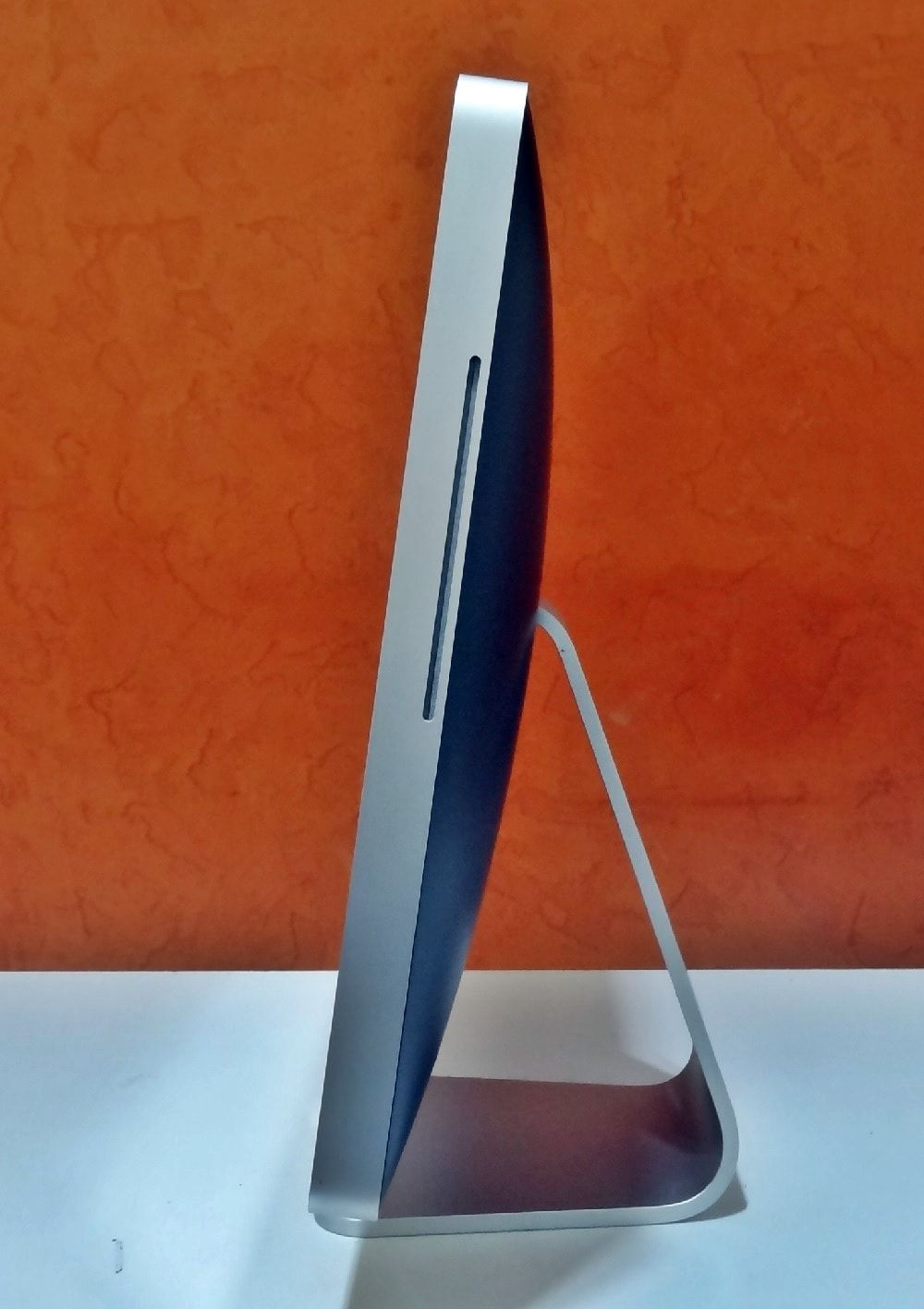 iMac MA876LL/A 20'' Intel Core 2 DUO 2.00GHz 4GB HD-500GB | DEDICADA - 128MB