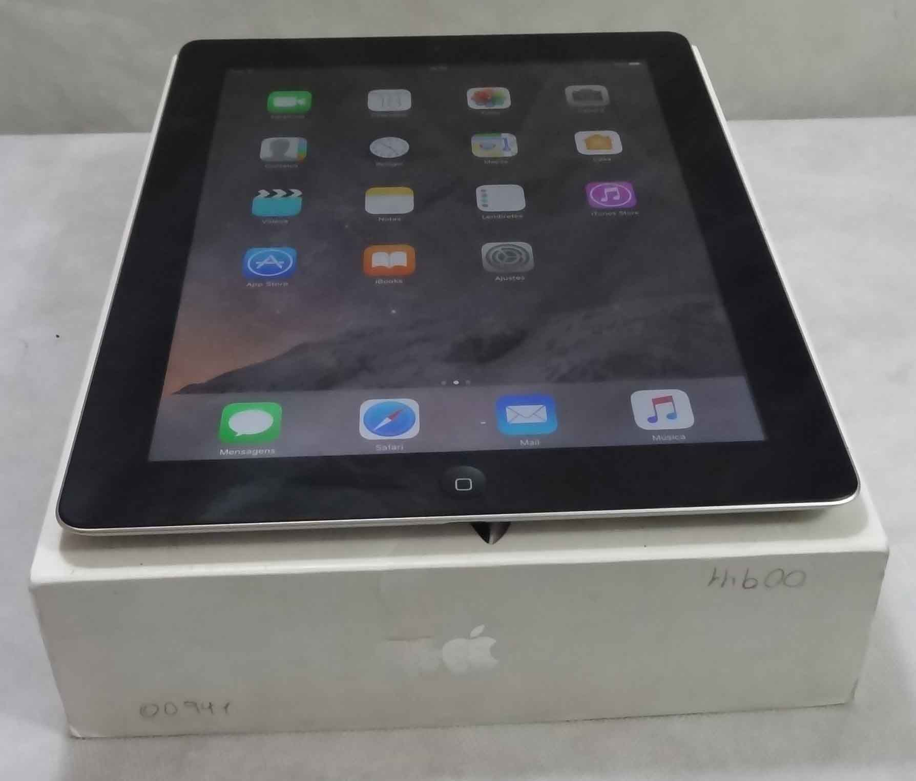 iPad 4A Geração MD511BR/A 9.7'' Wi-Fi 32GB