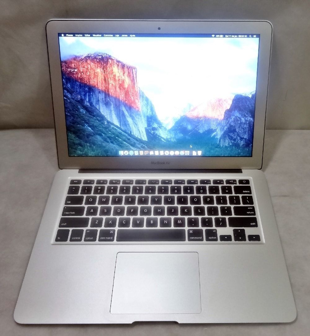 MacBook Air MC965LL/A 13.3