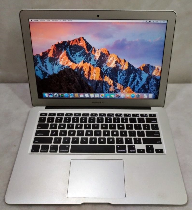 MacBook Air MD760LL/A 13.3