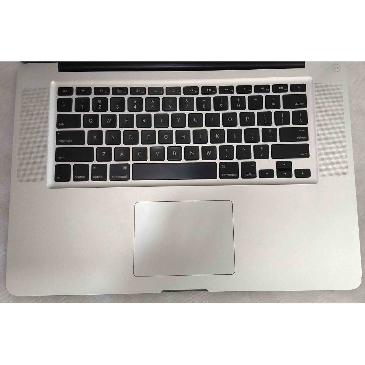 Macbook Pro MC372LL/A 15.4'' Core i5 2.53GHz 4GB HD-500GB |256MB - Dedicada
