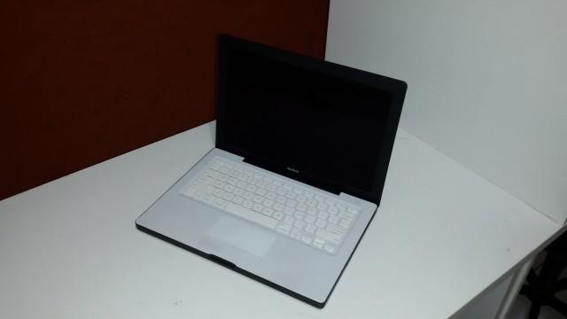 Macbook usado, revisado, perfeito. Macbook Black A1181 13