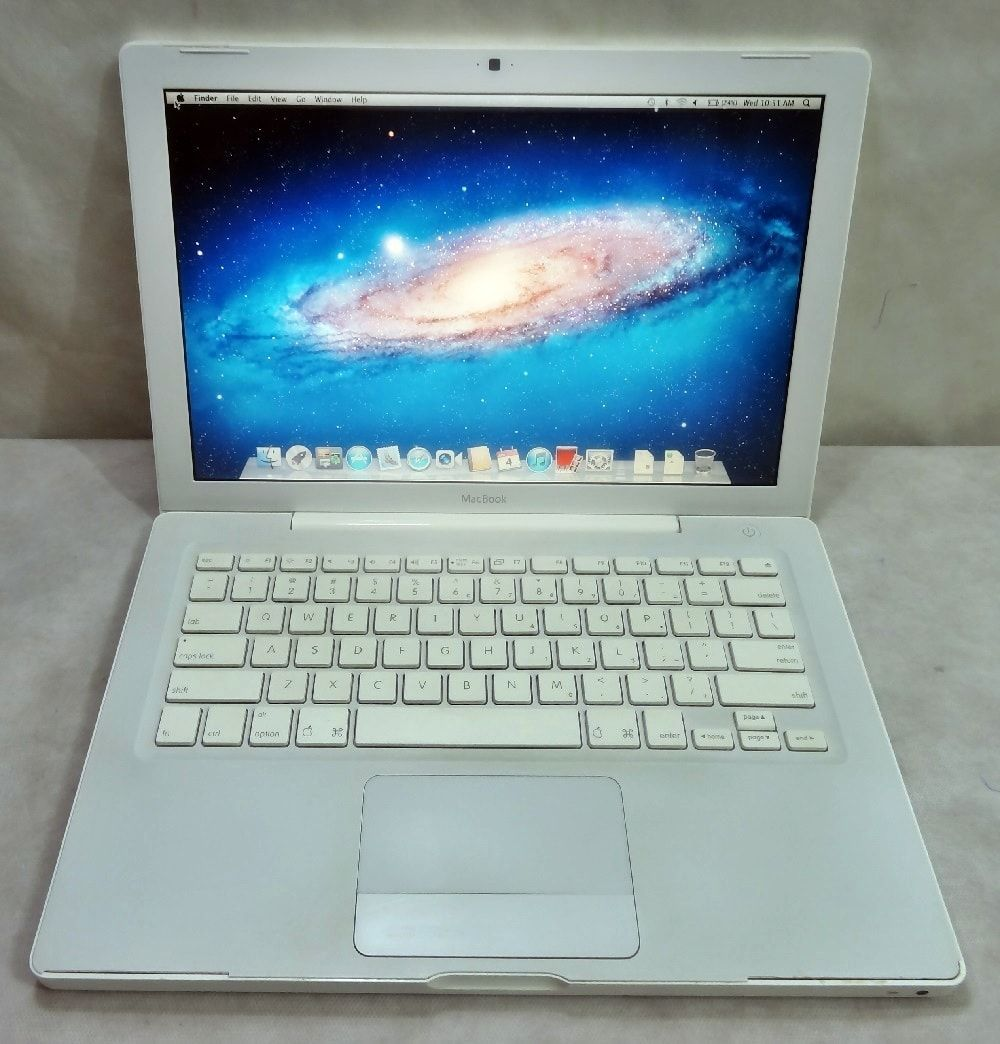MacBook White MB062LL/A 13.3