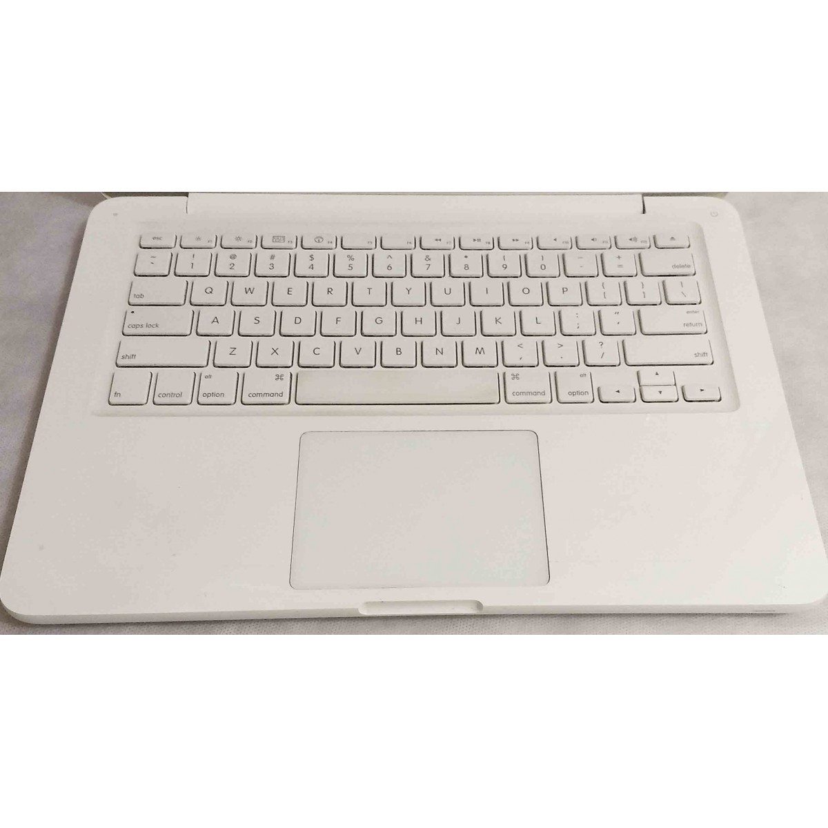 Macbook White MC207LL/A 13.3'' Core 2 Duo 2.26GHz 4GB HD-250GB