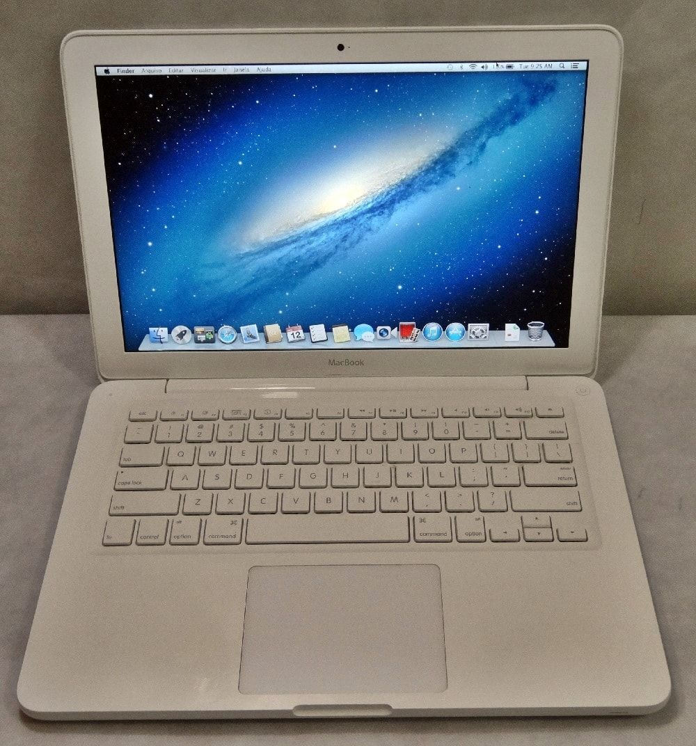 MacBook White MC207LL/A 13.3