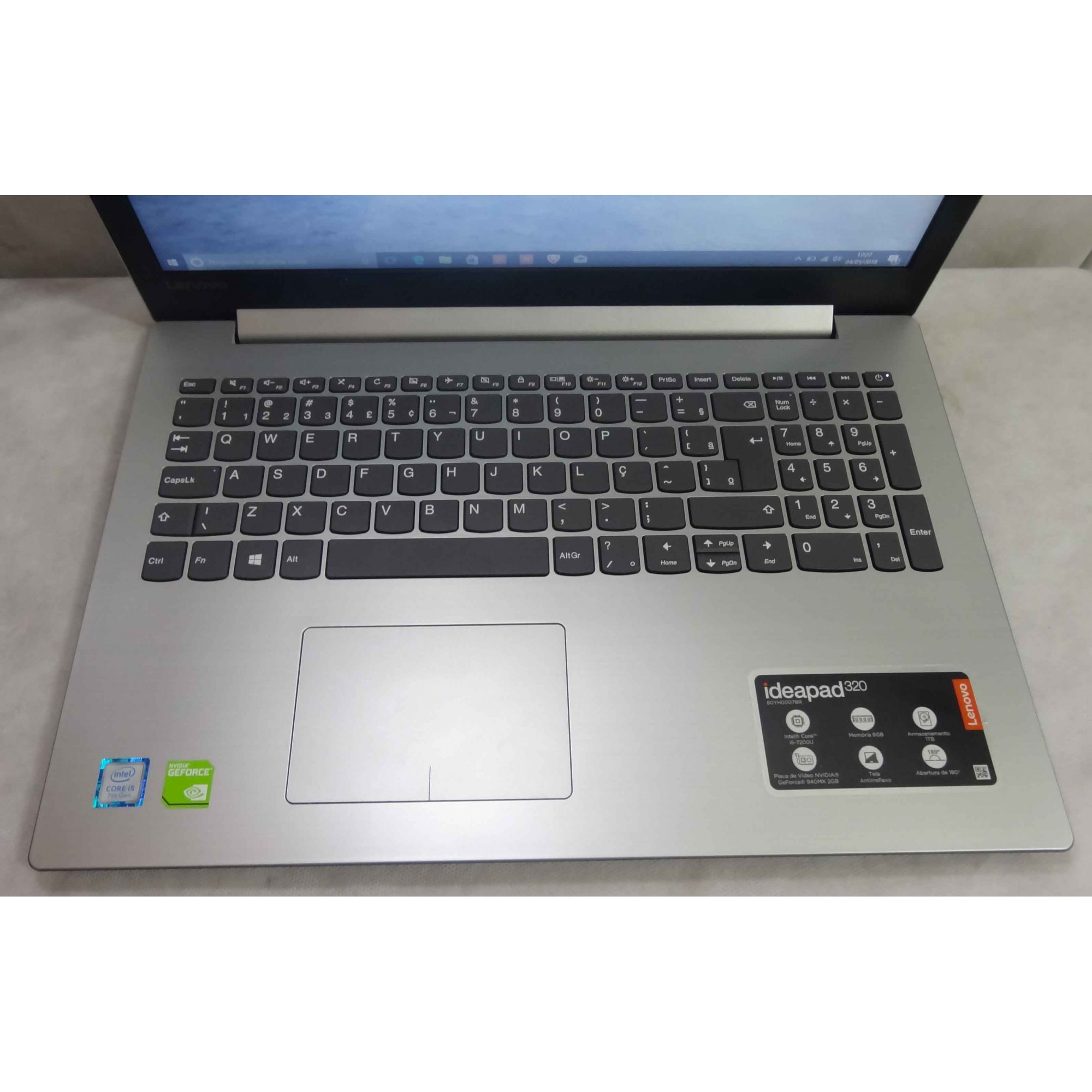 Notebook Lenovo ideapad 320 Intel Core i5 2.7GHz 8GB HD-1TB - (2GB Dedicada) + Alphanumérico