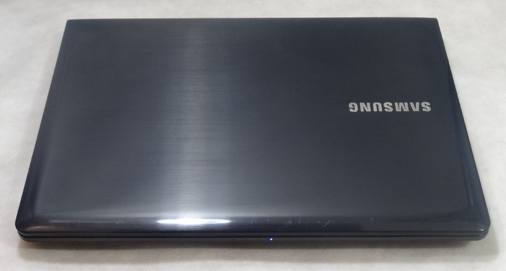 Notebook Samsung NP275E4E 14.1