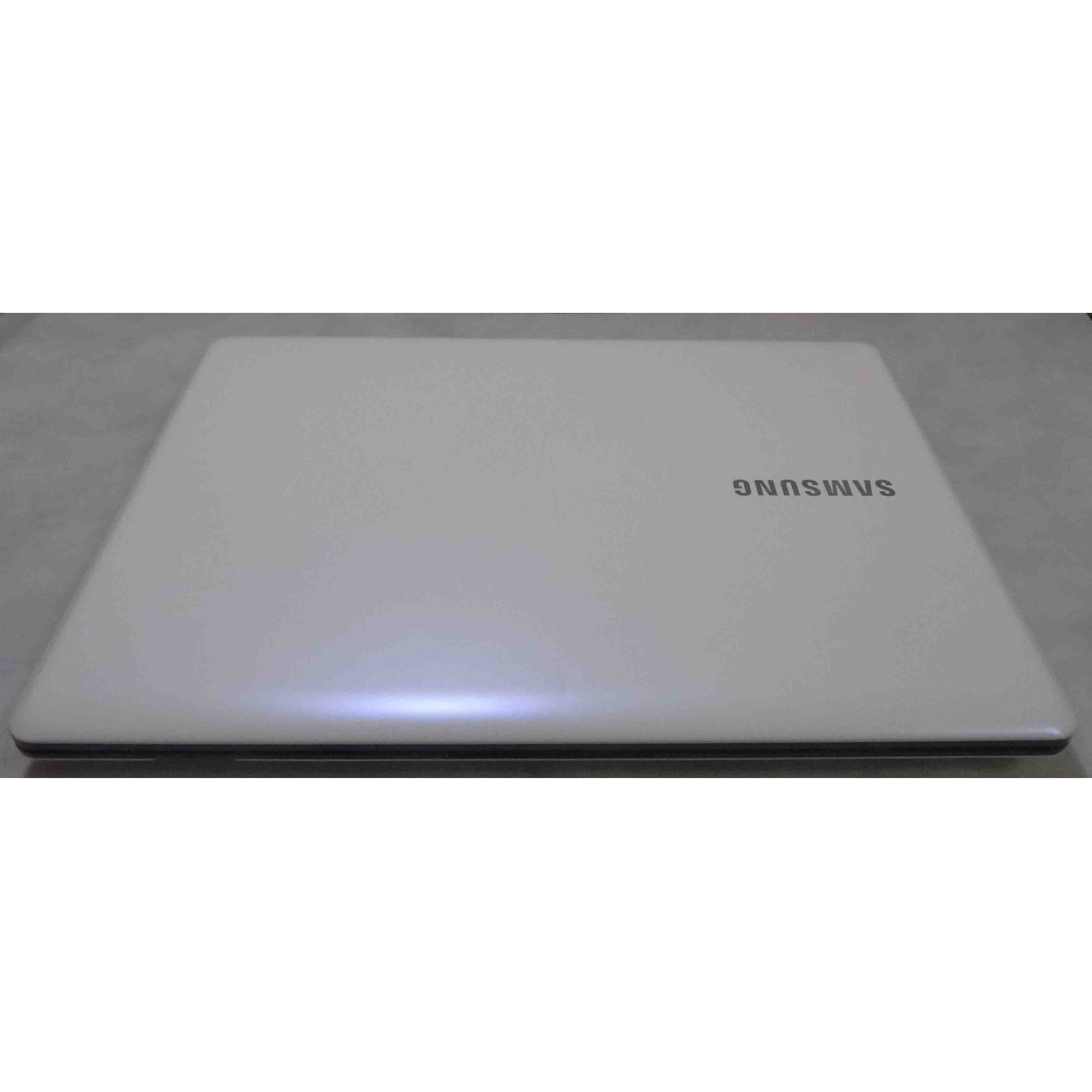 Notebook Samsung NP370E4K Intel Core i3 2GHz 4GB HD-1TB