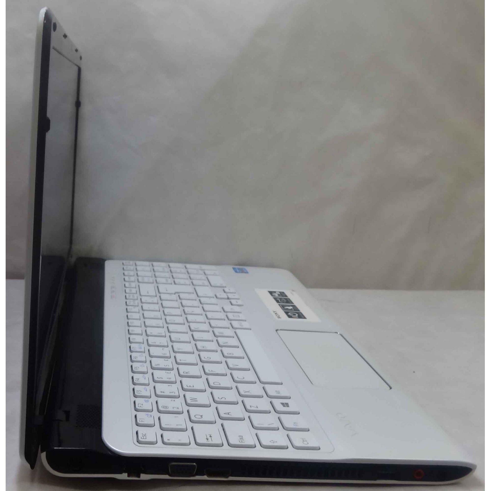 Notebook Sony Vaio 15.6'' SVE15125CBW Core i3 2.4GHz 4GB HD-500GB