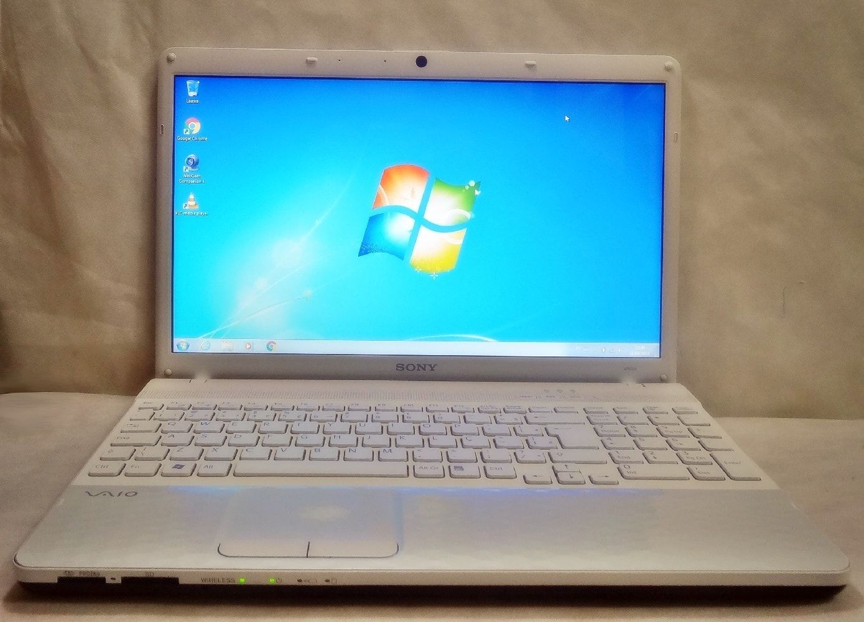 Notebook Sony Vaio VPCEH40EB/W 15.5