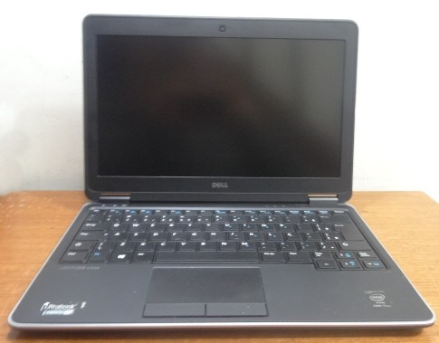 Ultrabook Dell Latitude E7240 12.5'' Intel Core i7 2.7GHz 8GB SSD-256