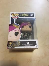 - Funko Pop Vi - League Of Legends