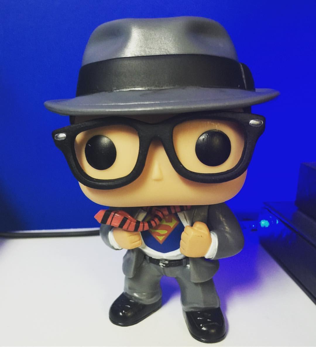 Funko Pop Dc Clark Kent # 145 Exclusivo Hot Topic