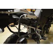 Suporte Lateral PL3101CAM para baú Givi OUTBACK TREKKER - V-Strom 650 14-15 - Consulte-nos
